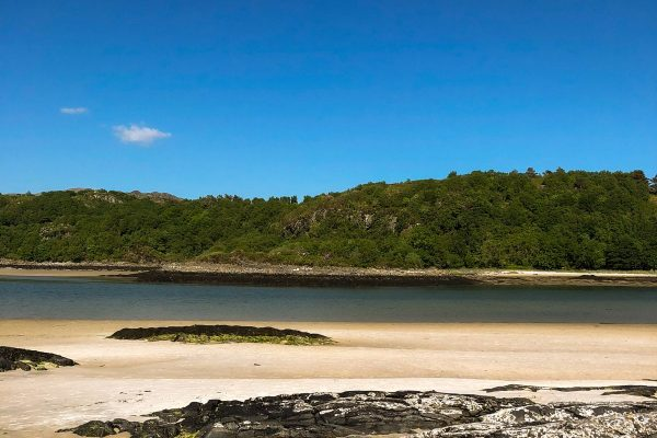 beach-morar-woodlands-glencoe-highlands-scotland-2400x1600